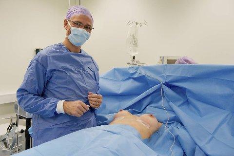 Plastikkirurg Tom Inge Ørner (56) har gitt rundt 5000 kvinner større bryster. Ifølge ham får mange av kvinnene større selvtillit også.