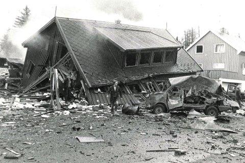 For 30 år siden. Noen minutter etter eksplosjonen så det slik ut øst i Storgata på Fauske. Alle arkivfoto: Dag Pettersen