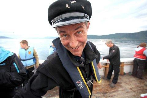SPESIELL: Rådmann Steinar Sørensen søkte etter en potet ? og har snart kjelleren full.(Foto: Ragnar Bøifot)