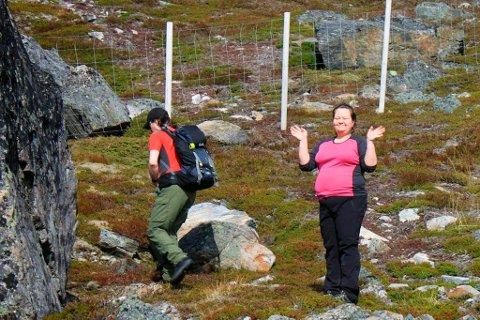 - Jeg hadde lyst til å klatre opp på den store steinen, men visste jeg var alt for tung, sier Beate Lill.