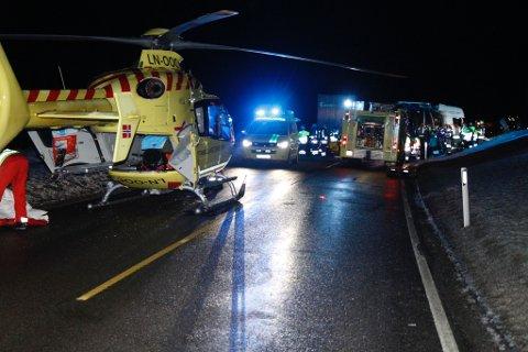 Tre personer omkom i den tragiske ulykken.