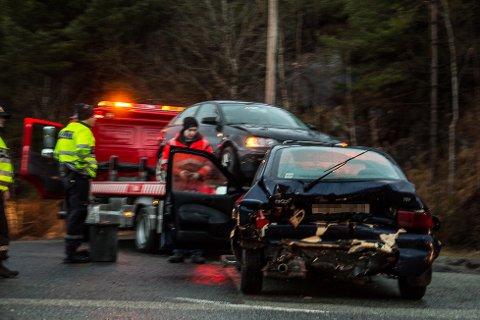 To personbilar var involvert i ulukka mandag morgon.
