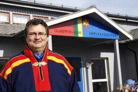 Gratisprinsippet: Ordfører Knut Store (A) er ikke tvil om at det er de gratis barnehagene som er hovedgrunnen til befolkningsvekten i Nesseby. Foto: Stian Hansen, Finnmarken