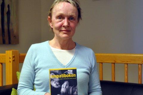 Ingrid Engen tilbyr hjelp til folk med traumer.