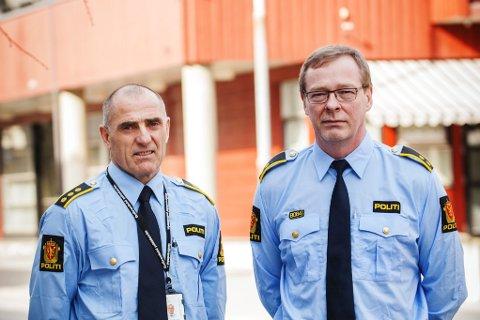 Politistasjonssjef Bjørn Bergundhaugen og Bjørn Bjørnstad, politioverbetjent ved etterforskerseksjonen