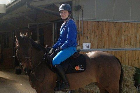 Saija Skoglund med hesten Carolina Z.