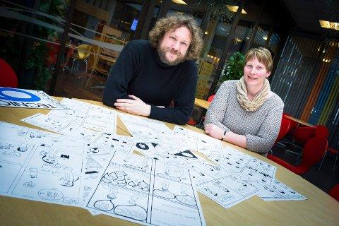 Morsom jobb: Tegneserieskaper Tore Strand Olsen ble invitert til å holde kurs av Bibliotekutvikling Østfold, ved Elin Westgård Hansen.