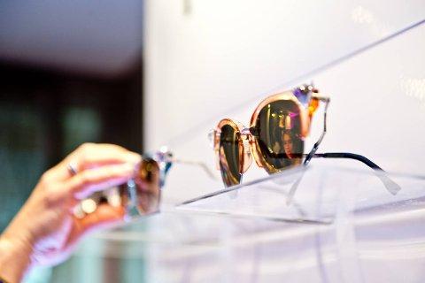 Solbrillen må beskytte godt mot skarp sol og uv-stråler.