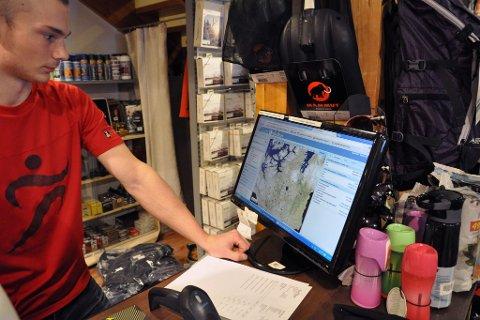 VANN: Et godt tips ifølge Uglebakken er å gå på www.kartiskolen.no og finne det vannet man tenker å fiske på. Så går man på Norge i bilder og finner flyfoto over vannet man tenker å fiske på. Deretter registrerer man bredde- og lengdegrad på GPSen, og så er det bare å komme seg ut på vannet.
