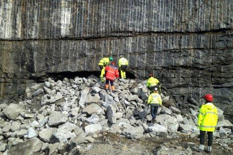 Åpnes ikke. Det er gjennomslag i Kråkmotunnelen, men tunnelen vil ikke bli åpnet før resten av veiarbeidene er fullførte.