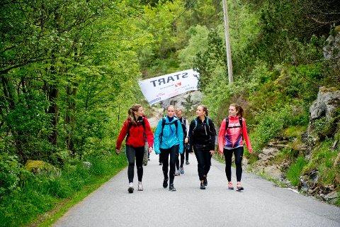 Heidi Andreassen, Linda Aksnes, Anette Bruland og Nina Borge gleder seg til å bestige syv av Bergens fjell.