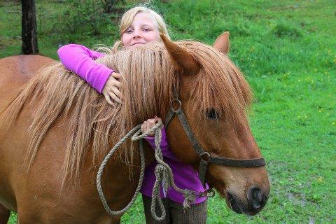 Ungdom og hest.