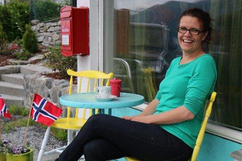 Kristin Søilen vil at kafeen hennar skal vere ein heimekoseleg stad der folk kan slappe av med god mat. - Eg har alltid vore veldig glad i å lage mat og få den til å sjå god ut. Det er viktig. Og så likar eg folk, så då er kafèdrift ein ganske god ting for meg, smiler 34- åringen.
