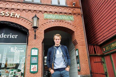 Bård Finne (19) nyter sommerferien hjemme i Bergen. Fra juli venter en beinhard sesongoppkjøring i Tyskland, før han tar fatt på sesongen i Tysklands øverste divisjon.