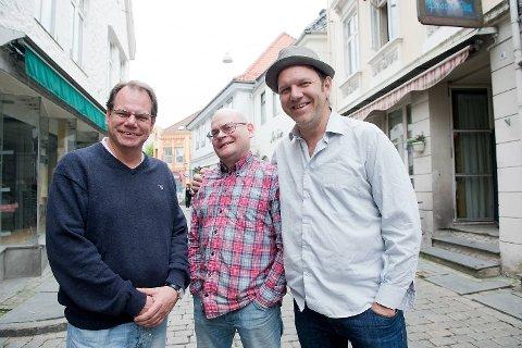 Bjarte Aasmul spiller hver uke på Dyvekes sammen med musikalske venner som Dagfinn Iversen og Geir Rognø.