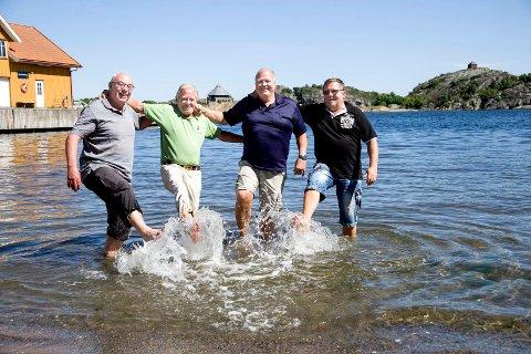 Endelig sommer: Svend Johansen, Thor Andvik, Terje Henning og John Rønning i Foreningen Glade dager i Stavern konstaterer at sommeren i Stavern straks åpner! FOTO: Lise Reng