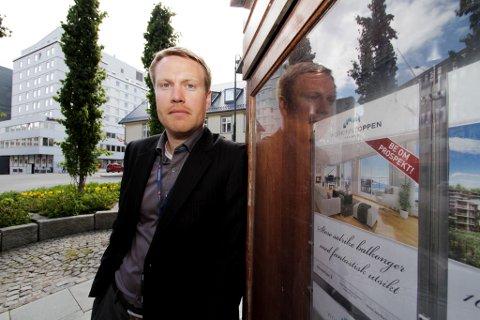 ADVARER: Forvaltningsdirektør i Sparebank 1 Nord-Norge, Stig-Arne Pettersen, mener boligeiere bør være forsiktig med å presse prisene, og at meglere bør være flinke til å informere om at det ikke er positivt at boligmarkedet stiger med ti prosent i året, samtidig som lønnsveksten er på tre prosent.