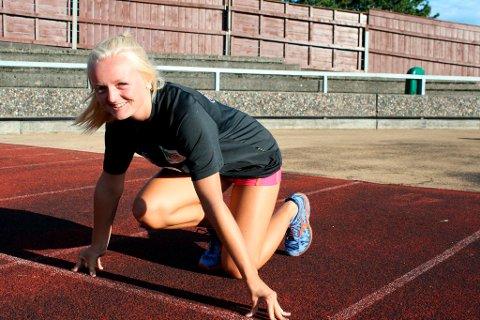 17-åringen Marte Pettersen tok gode plasseringer på 200 meter og 100 meter, til tross for dårlig vær.