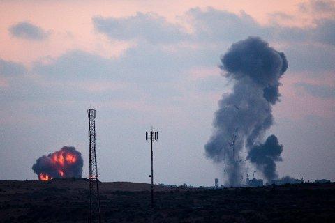 Israelske luftangrep nord på Gazastripen tirsdag.
