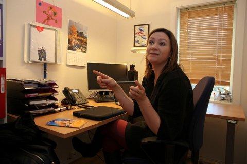 Krisesenteret i Salten er fullt, men Wanja Sæther og hennes ansatte strekker seg langt for å finne en løsning for dem som tar kontakt.
