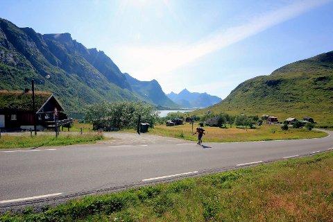 HARDT OG SPEKTAKULÆRT: Malin Jacob brøt fysiske barrierer da hun gikk Lofoten på langs med rulleskøyter.
