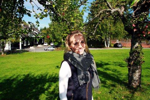 MODIG: Sessa Hansen kjemper imot mobberne og drømmer om å bli modell.