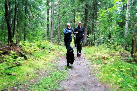 LØPER FOR HELSA: Tone Merete Klavenes har trent mye sammen med venninnen Yvonne Solberg de siste ukene.