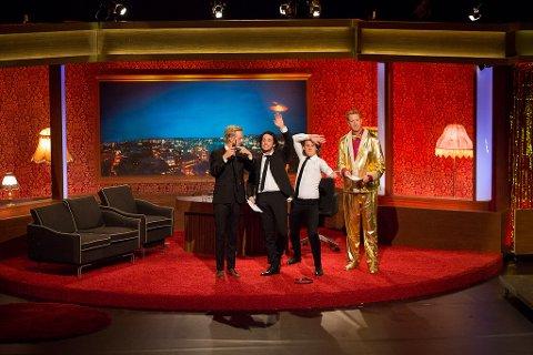 Calle Hellevang-Larsen, til venstre, Vegard Ylvisåker, Bård Ylvisåker og Magnus Devold hadde sesongpremiere på «I kveld med Ylvis» tirsdag kveld. Foto: Eva Godager, TVNorge