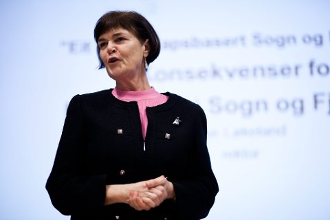 Rektor ved Høgskulen i Sogn og Fjordane meiner innføring av studieavgift for utanlandske studentar set gratisprinsippet under press.