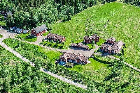 Grorud 2014: Treschows eiendom har blitt betydelig bygd ut de siste årene. For noen år siden betalte Mille-Marie selv for å få veien lagt utenom selve gårdstunet.