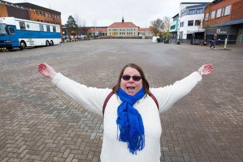 Store drømmer: Synnøve Irene Kjerstad har store drømmer, som allikevel kan være enkle å gjennomføre. Torghandel på Rådhusplassen er hennes hjertesak.