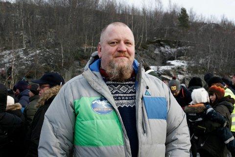Bussjåføren Jostein Ananiassen (48) fra Bjørnevatn er sønnen til et av tyskerbarna. - For meg får frigjøringen et spesielt lys, sier han. Bestemoren hans fikk to barn med to forskjellige tyskere,