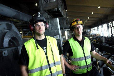 Gruva satte produksjonsrekorder med 626.000 tonn konsentratproduksjon i andre kvartal 2014, opp 13 prosent fra første kvartal. I tredje kvartal er produksjonen økt med ytterligere fem prosent. På bildet formann og operatør Terje Larsen (til venstre) sammen med Luke Fitzgerald, sjef for separasjonsverket.