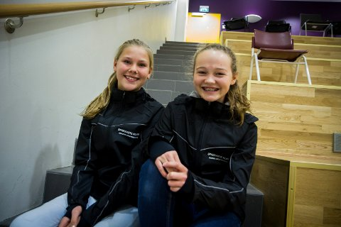 Elisabeth M. Kvalheim og Sofie Brunborg er to av elevane i den sprekaste klassen ved Knarvik ungdomsskule. Medan Brunborg har vore med på Knarvikmila fleire gonger før, var årets deltaking den fyrste for Kvalheim. Det gav meirsmak.