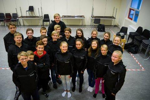 SPREKINGAR: Dette er dei av elevane i klasse 9C som deltok på 5 km under årets Knarvikmila.