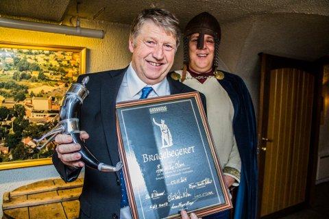 Årets Bragebegervinner Åge Willy Olsen og President i Gambrinus Borgølets Venner Espen Fronth-Andersen.