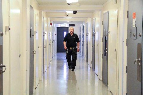 Seksualforbrytar eller ei, alle skal behandlast med respekt. Det er viktig for Ronny, som har jobba 17 år i Bergen fengsel.