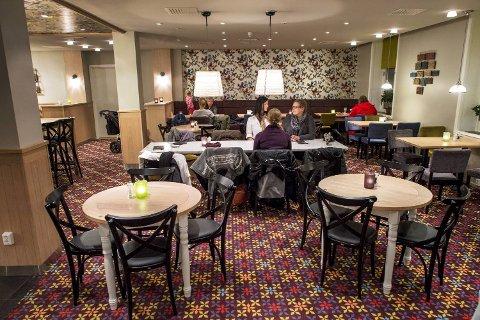 Til tross for at lokalet er trivelig og maten god, får ikke Pranzo mer enn fire av ti mulige poeng fra BAs restaurantanmelder. Skrikende barn, vepser og storkjøkkenpreg kan ilegges en del av skylden.