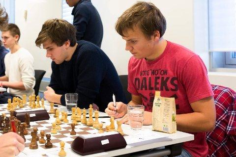 GULL: Her er Sigve i aksjon under sjakk-NM.