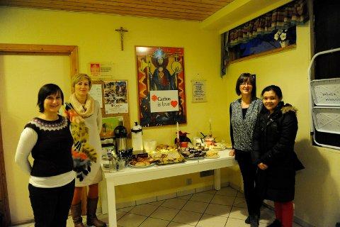 Arrangerte Loppe- marked: Caritas Narvik, her ved Dorota Kantorowicz-Bardzinska (fra venstre), Marzena Dobrowolska, Jolanta Sulkowska og Mimi Furr arrangerte loppemarked i helgen.
