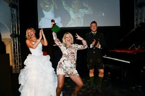 Vant: Anne Varden (i midten) slapp jubelen og gleden løs under prisutdelingen i Kitzbühel lørdag kveld. Foto: Privat
