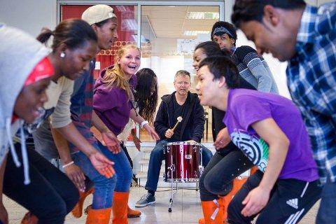 Fargespill fyller ti år, og Ole Hamre har vært med siden dette kunstneriske barne- og ungdomsprosjektet startet.