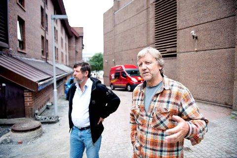 Arkeolog Jens Rytter og fagdirektør Iver Schonhowd hos Riksantikvaren har nådd målet om å redusere setningskader i dette området.