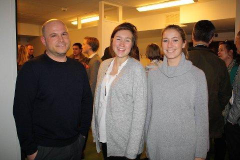 Tidligere elever- og skuespillere ved gymnaset. Christer Kjørsvik, Vibecke Linn Knudsen og Malene Krohn.