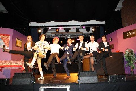 Fra venstre: Sofie Forland, Sander Traae, Erik Barmann, Sigurd Solheim,  Tim Sørensen, Margaretha Skaar og Sondre Bjordal.