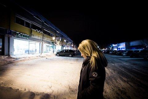 Gikk her: Trude Bråten er fortsatt redd etter det som skjedde. Nå vil hun advare andre.Foto: Lisbeth Andresen