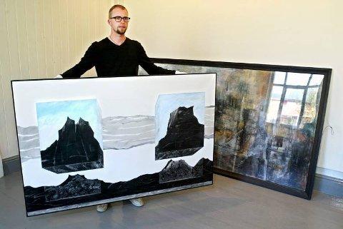 MONUMENTALT fra Kurt Edvin Blix Hansen i Objekt i bevegelse, som holdes av intendant Jarle Strømodden, og fra Hugo Aasjord med Komposisjon i bakgrunnen.