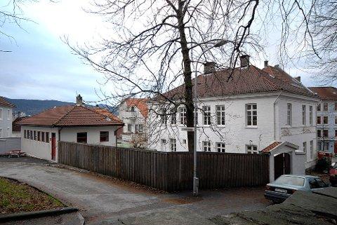 Her vil Bergen Sør Eiendom rive for å bygge boligblokk.