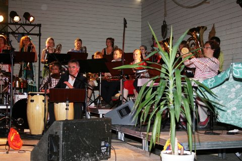 SOLID ÅPNING: Åpningskonserten på Tørrfiskbrygga ble en reise i Latin-Amerika og verdensdelens musikalske røtter.