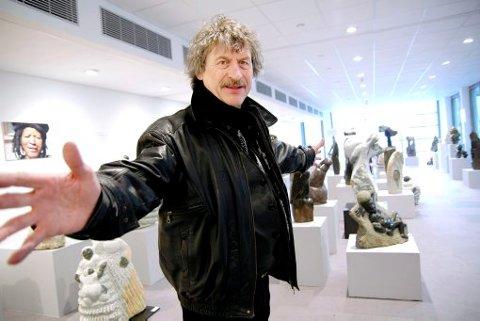 STORFORNØYD: Günter Winkelmann var i Berlin i påsken for å bli bedre kjent med Art Center Berlin. Grenlandskunstnerne Oker er invitert til å stille ut her i mars neste år.